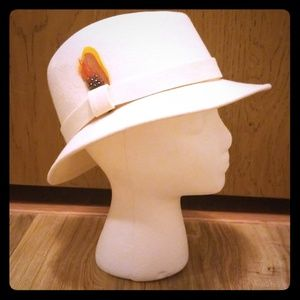 Vintage 1970s Boho Trilby/Fedora Feather Hat